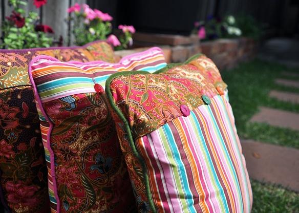 Cushions_3sml