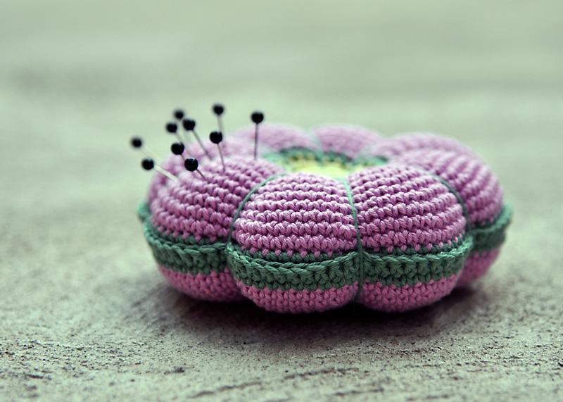 Crochet Pincushion on Pinterest Pincushion Tutorial ...